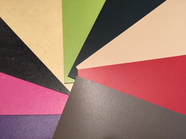 Biofarben Linoleum in 50 Lagertönen vorrätig